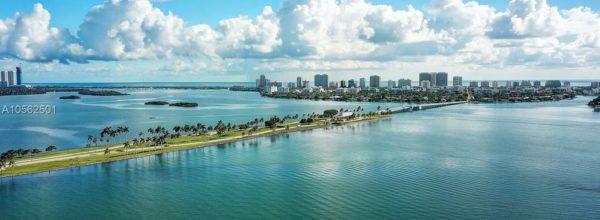 Appartamento a Biscayne Bay's North Miami